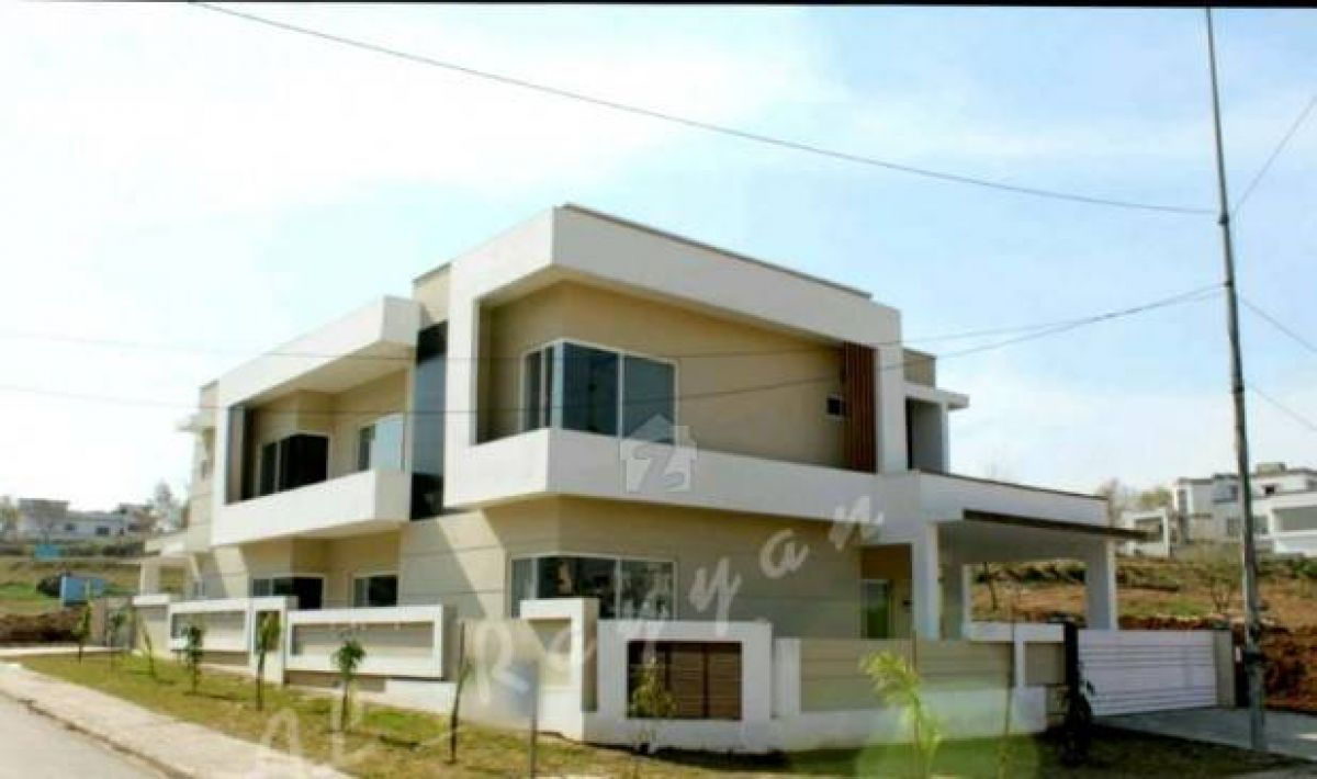 Brand New 600 SqYard Corner Bungalow For Sale